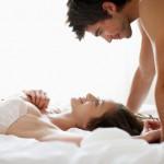 V dolgoletni zvezi je treba velliko vlagati tudi v ohranjanje seksualnega rahzpoloženja (Thinkstock)