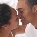 Zakaj so se ljudje začeli poljubljati?