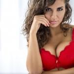 6 stvari, ki žensko v hipu naredijo privlačno