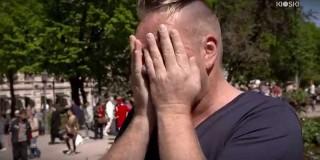 HIV pozitiven moški je prosil neznance, da se ga dotaknejo in zgodilo se je tole…(video)