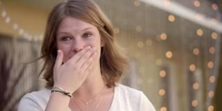 Ganljivo: Zasnubila je fanta, v katerega se je zaljubila že pri 12.ih letih