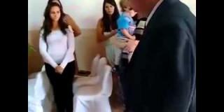 Video dneva: Največja poročna polomija vseh časov!