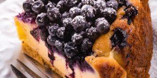 Borovničev cheesecake brez peke