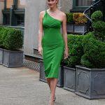 Karlie Kloss zelena obleka 1